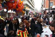 «Βούλιαξε» από μικρούς καρναβαλιστές ο πεζόδρομος της Ρήγα Φεραίου