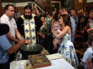 Βάπτιση με... γκάζια στον Ι.Ν. Αγ. Αθανασίου Βραχνεΐκων!