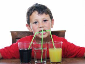 Κατανάλωση αναψυκτικών από παιδιά - Γιατί είναι σημαντικό να αποφεύγεται