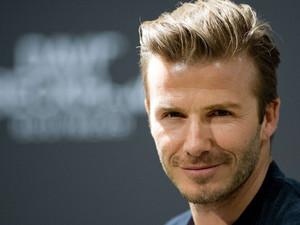 Ο David Beckham με... σάπια δόντια και ουλές! (pic)