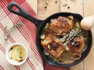 Φτιάξτε μπουτάκια κοτόπουλο με σκόρδο και λεμόνι