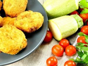 Μαγειρέψτε λουκουμάδες με κρεμμύδι και κολοκύθι