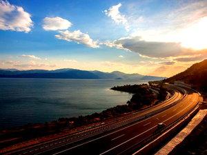 Η διαδρομή Πάτρα - Αθήνα μέσα από ένα όμορφο timelapse βίντεο!