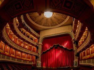 Πάτρα - Η ερωτική ιστορία του Ερωτόκριτου και της Αρετούσας 'αναβιώνει' στο Θέατρο Απόλλων!