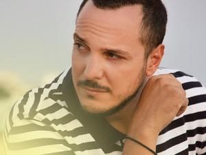 Άκης Δείξιμος - Με νέα δουλειά και πολύ διάθεση για ένα μουσικό καλοκαίρι στην Πάτρα!
