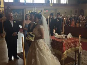 Νύφη ντύθηκε η Μάρω Λύτρα! (pics)