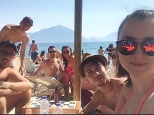 Οι Πατρινοί έτρεξαν στις παραλίες το πιο ζεστό μέχρι τώρα, Σαββατοκύριακο του καλοκαιριού (pics)