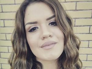 Είναι στα καλύτερα της και το 'φωνάζει' η 21χρονη Πατρινή τραγουδίστρια Μαρίνα Λαζάρακη (pic+video)