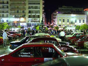86 κλασικά και αγωνιστικά αυτοκίνητα έκαναν κατάληψη στην κεντρική πλατεία της Πάτρας! (φωτο+βίντεο)