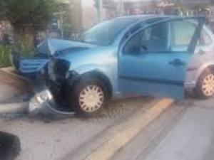 Πάτρα: Οδηγός καρφώθηκε σε κολώνα, στον δρόμο προς το Δασύλλιο