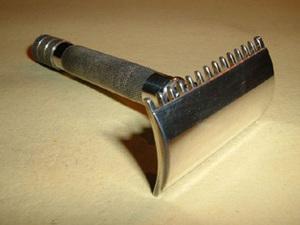 Σαν σήμερα 15 Νοεμβρίου ο αμερικανός Κινγκ Ζιλέτ πατεντάρει την πρώτη ξυριστική λεπίδα που φέρει το όνομα του