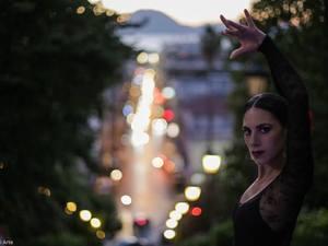 H Silena χορεύει flamenco στο κέντρο της Πάτρας και παθιάζει τους θεατές! (δείτε video)