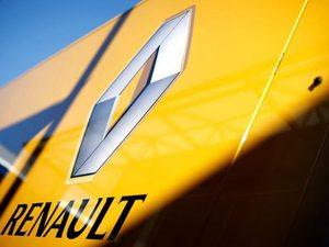 Η Renault αγοράζει… περιοδικά