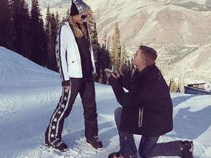 Αρραβωνιάστηκε η Paris Hilton - Δέχτηκε πρόταση γάμου στα χιόνια! (φωτο+video)