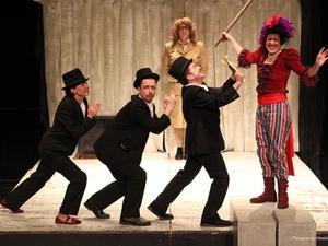 ΔΗ.ΠΕ.ΘΕ. Πάτρας - 'Η Τρελή του Σαγιό' συνεχίζει δυναμικά την θεατρική της διαδρομή!
