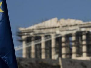Γιατί η Ελλάδα κινδυνεύει να χάσει ακόμα μία δεκαετία, σύμφωνα με το Bloomberg