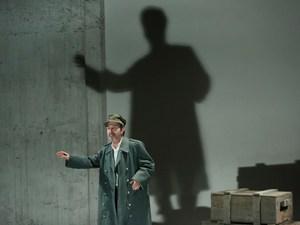 'Ο Πατέρας του Άμλετ' - Το πρώτο θεατρικό έργο του Μάνου Ελευθερίου έρχεται στην Πάτρα!