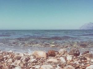 Άφησαν το κέντρο της Πάτρας και έτρεξαν στις παραλίες για να… μυρίσουν καλοκαίρι!
