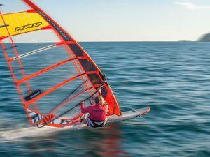 Ο 1ος αγώνας windsurf slalom θα γίνει στο Δρέπανο Αχαΐας και θα προσφέρει πλούσιο θέαμα!