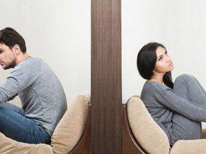 Πιο κοντά στο διαζύγιο τα παντρεμένα ζευγάρια που βλέπουν πορνό
