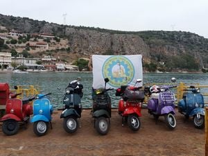 Οι φίλοι του Vespa Club Αχαΐας πήγαν στο Ναύπλιο και πέρασαν υπέροχα! (pics)