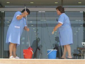 Πάτρα: Αποφασισμένες να δικαιωθούν στον αγώνα τους οι συμβασιούχες σχολικές καθαρίστριες
