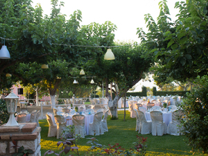 Kάνε κάτι το μοναδικό! Κάνε την βάπτιση ή τον γάμο σου, ένα... υπέροχο garden party!