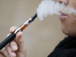 Ηλεκτρονικά τσιγάρα και προϊόντα καπνού αυξάνουν τον κίνδυνο καρκίνου στόματος