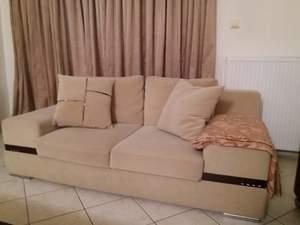 Πωλείται ένας διθέσιος και ένας τριθέσιος καναπές (φωτο)
