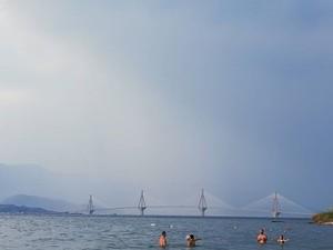 Γεμάτες από κόσμο σε καθημερινή βάση οι κοντινές παραλίες της Πάτρας το φετινό καλοκαίρι