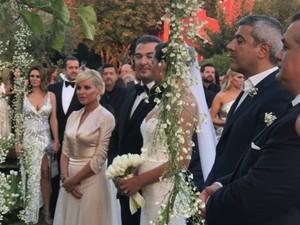 Παντρεύτηκαν Αντώνης Ρέμος και Υβόννη Μπόσνιακ (φωτο+video)