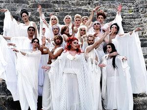Το Διεθνές Φεστιβάλ φέρνει τις 'Εκκλησιάζουσες' στην Πάτρα!