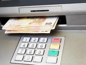 Άμεση επιστροφή φόρων έως 10.000 ευρώ - Ποιους αφορά