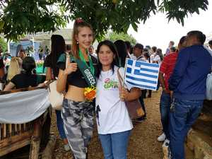 H Πατρινή Χρύσα Ανδρουτσοπούλου είναι στις φιναλίστ για να γίνει βασίλισσα της γης! (pics)