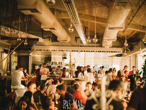 To Pas Mal αναζητά σερβιτόρους με εμπειρία, για να εργαστούν στο χώρο του!