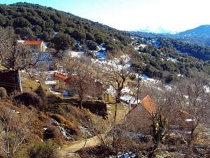 Από τη Ζουμπάτα είσαι; - Το χωριό της ορεινής Αχαΐας με τους 0 κατοίκους! (pics)