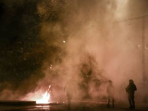 19 συλλήψεις για τα επεισόδια στο Πολυτεχνείο (φωτο+video)