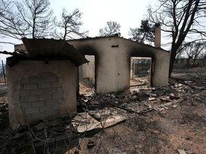 Τους 100 έφτασαν οι νεκροί από τη φωτιά στο Μάτι