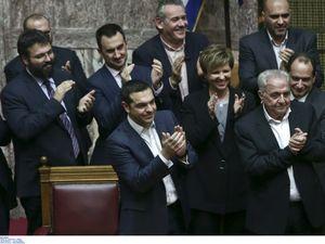 Πήρε ψήφο εμπιστοσύνης με 151 'ναι' ο Αλέξης Τσίπρας