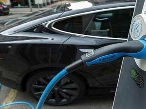 Κίνητρα και μειωμένα τιμολόγια ρεύματος για ηλεκτρικά αυτοκίνητα