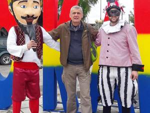Ανάμεσα από τους δύο τελάληδες του Πατρινού Καρναβαλιού