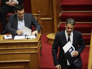 Public Issue: Στις 14,5 μονάδες η διαφορά της ΝΔ έναντι του ΣΥΡΙΖΑ