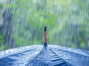 Νέο κύμα κακοκαιρίας με βροχές και «βουτιά» της θερμοκρασίας