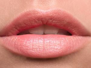 Το προϊόν που θα σας χαρίσει ζουμερά χείλη