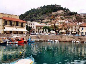 Δυτική Ελλάδα: 'Βουλιάζει' η Ναύπακτος και φέτος τις ημέρες της Μεγάλης Εβδομάδας και του Πάσχα