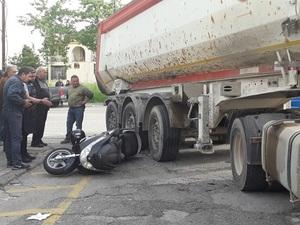 Αγρίνιο: Νταλίκα παρέσυρε δικυκλιστή στην περιοχή του Αγίου Δημητρίου (φωτο)