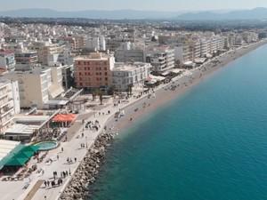 Ανακαλύπτοντας το Λουτράκι, τη διάσημη λουτρόπολη της Πελοποννήσου (video)