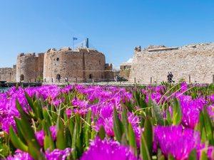 Ανοιξιάτικη πανδαισία στο Κάστρο του Ρίου (pics)