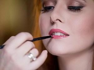 Τα τέσσερα πιο συχνά λάθη που κάνουμε με το μακιγιάζ μας