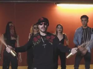 Ο Mc Luigi από την Πάτρα αγαπάει μια... Μεξικάνα (video)